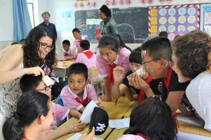 Teaching english to migrant worker's children